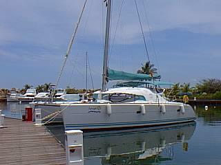 used lagoon 410 catamaran for sale by owner spruzzo. Black Bedroom Furniture Sets. Home Design Ideas